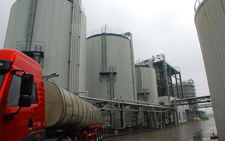秋雪液体原料储罐设备