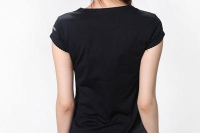 为什么夏天锦纶6黑丝T恤更凉爽?